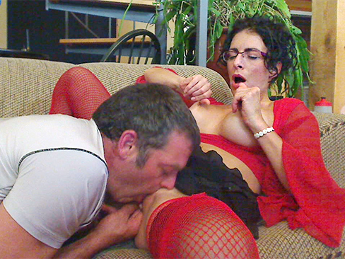 Morning anal fuck from kinky girlfriend and her lover